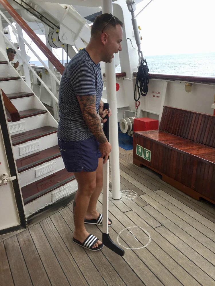 8 đêm trên chuyến du thuyền tệ nhất thế giới - 1