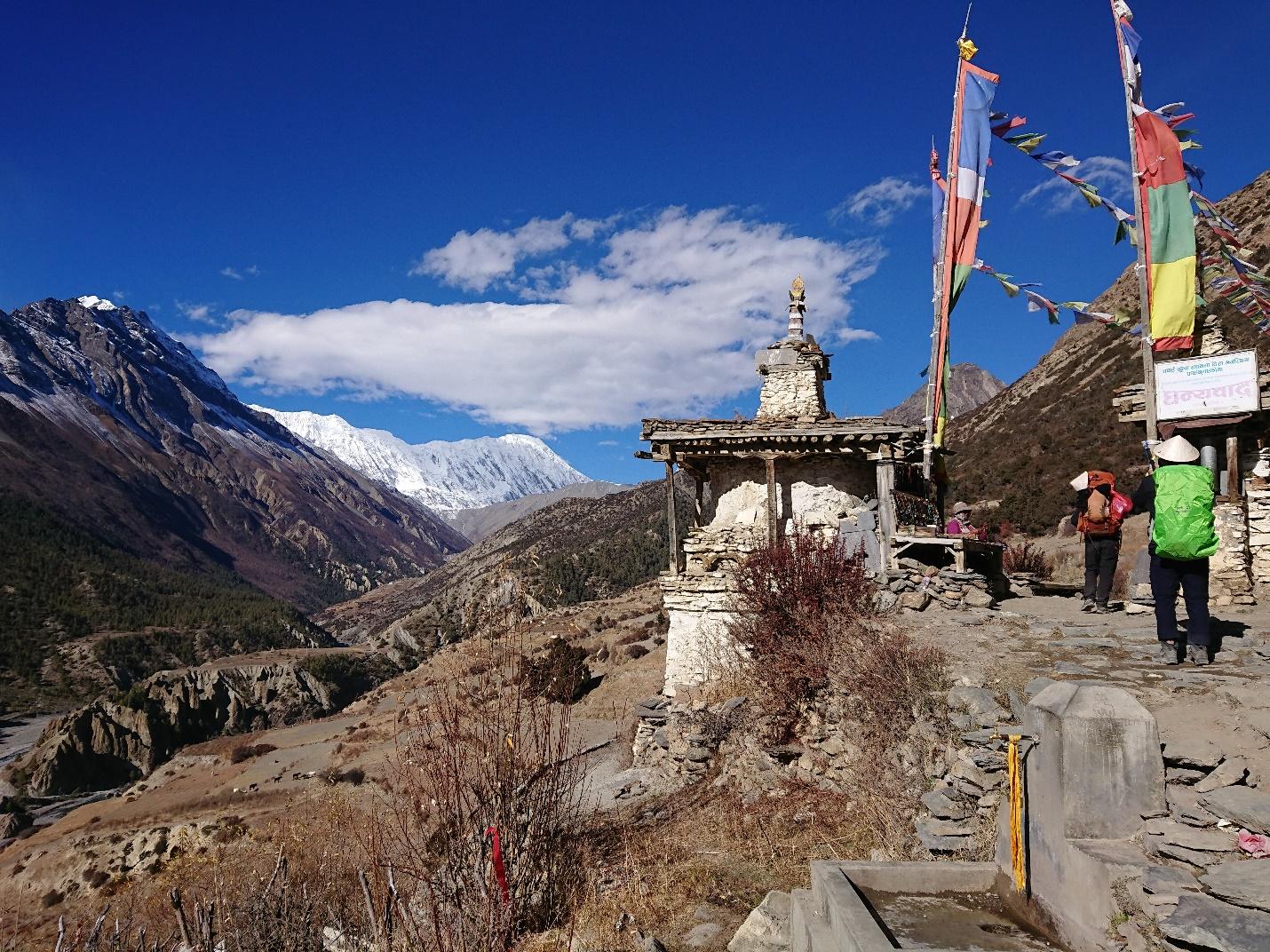 Tới Nepal, gửi lời nguyện cầu theo những lá cờ Lungta bay phấp phới - 2