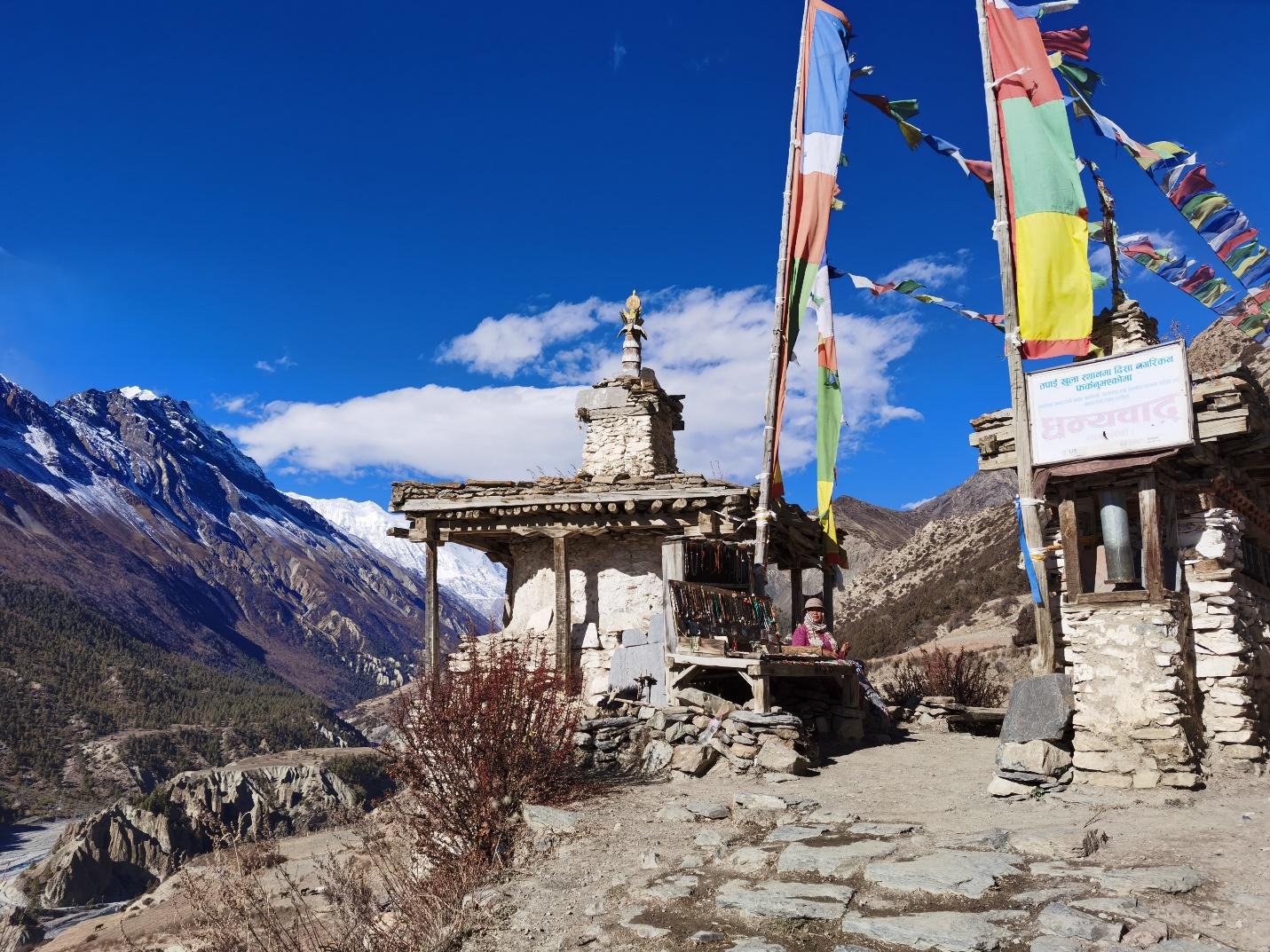 Tới Nepal, gửi lời nguyện cầu theo những lá cờ Lungta bay phấp phới - 5